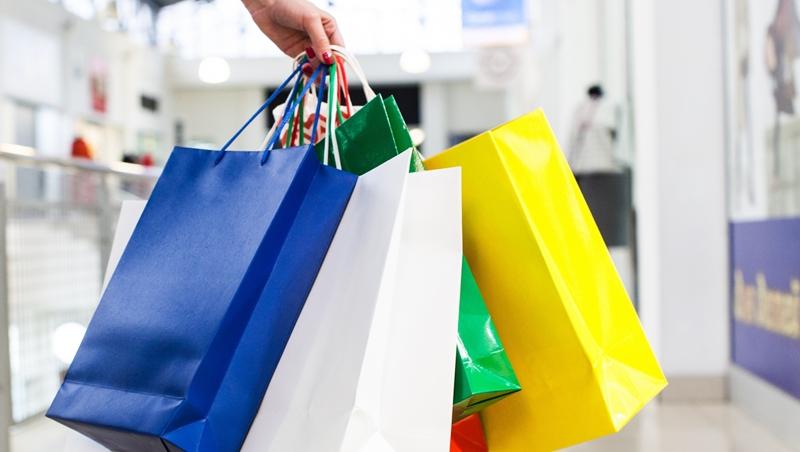 換季特賣,想等到打5折才下手...為何購物時千萬不能這樣想?