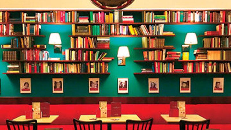 維也納咖啡館保持往昔濃厚的文化氛圍。
