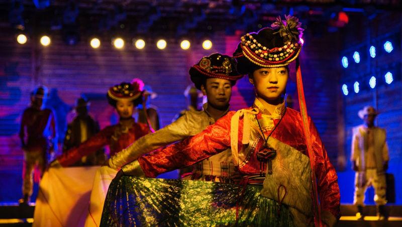 被觀光客衝擊的「高原女人國」!揭開「中國最後母系社會」摩梭族的神祕面紗