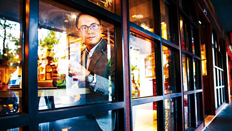 星巴克小店員,挑戰全台最大平價咖啡店!路易莎創辦人:想要大量成長,就要捨得投資
