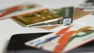 信用卡好多種,究竟該辦哪張?網友好評度最高的10張「現金紅利回饋」神卡
