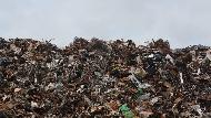 一個理財部落客的擔心:台灣50年後最大的問題,少子化和「無處可去的垃圾」