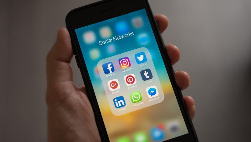 臉書跟LINE把社群的錢都賺完了,我創業還能做什麼?