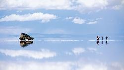 天空之鏡的美 韓國大媽:去了才知道!