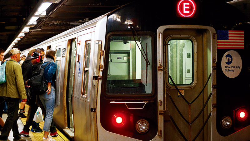 地鐵信號故障是全世界通勤族可怕的夢魘。儘管系統可能僅僅中停3、5分鐘,站方卻得花大半天才能疏通塞爆的人潮。