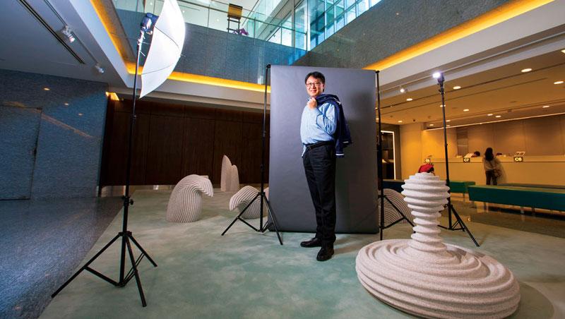 程耀輝,台北富邦銀行總經理,52歲。
