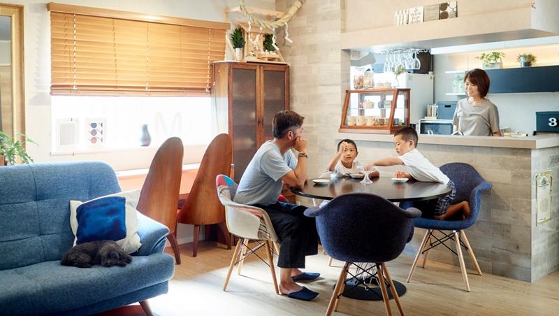 全球5大集團中華區總經理,沒車沒電視!選擇刪除生活中的「沒必要」,才是愛自己和家人