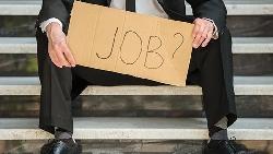 在外商17年,中年被辭退,薪水砍半還沒人要...被資遣才想下一步,太遲了!