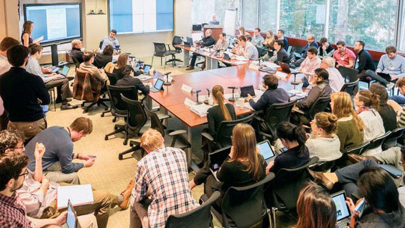 不論會議大小,全程錄音錄影,用絕對的透明,讓員工在會議中勇於發表意見,是橋水能戰勝大盤,成為第一的關鍵。