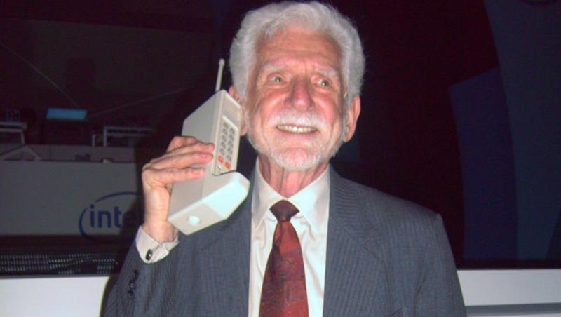 45年前誕生第一支手機,要價8支iphone X!發明者不是Nokia,而是這牌子