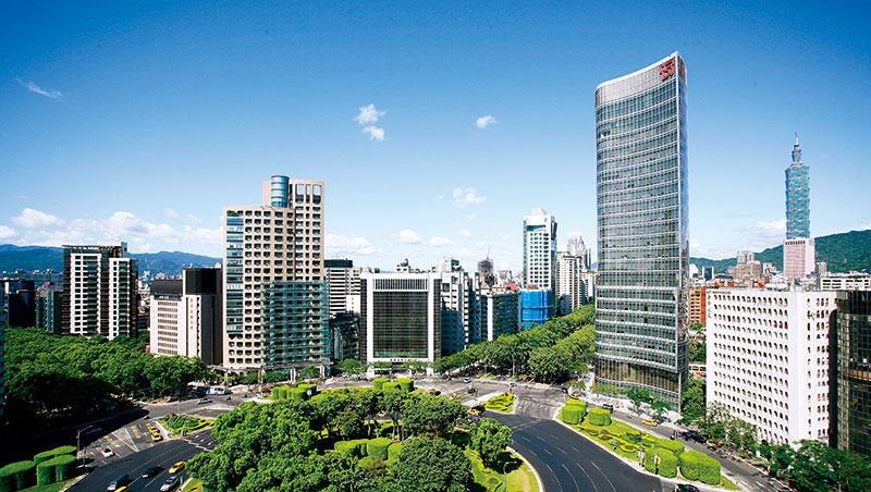 政大地政系教授林左裕認為,台灣商辦處於「食之無味,棄之可惜」的處境,須靠政策刺激需求,拉高租金解套。