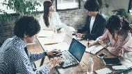 為什麼公司這麼愛開會?日本心理學博士:沒能力的人坐在會議上,就有在做事的錯覺