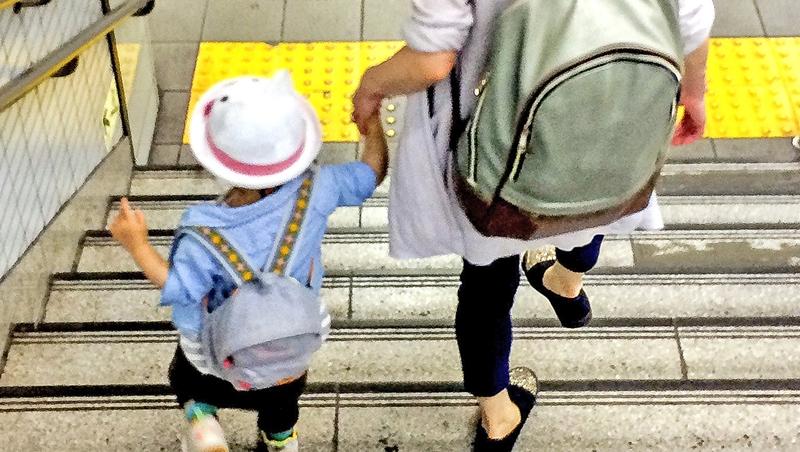 陷少子化困境!富比世警告:台灣經濟剉咧等