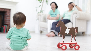 爸媽健康幸福的活著,才是給孩子最大的禮物!為什麼現金在手比傳家的房屋更重要