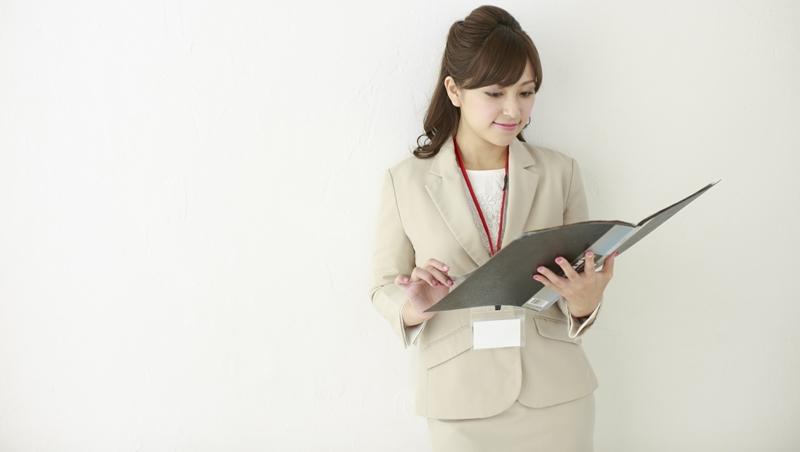 「祕書」決定誰能先見到老闆!那些你覺得「不起眼」的同事,正是最該重視的人
