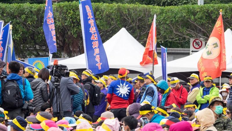 月退俸可能被取消...年金改革給台灣人的一堂課:靠政府會倒,如何拯救自己的「理財智商」