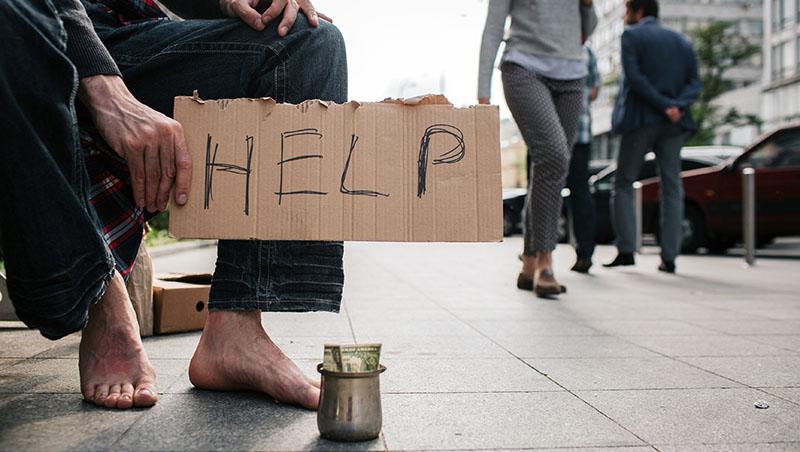 可以選,誰想當乞丐?在人力銀行看盡人生履歷:看似好手好腳、不事生產的人,背後沒有你想的簡單