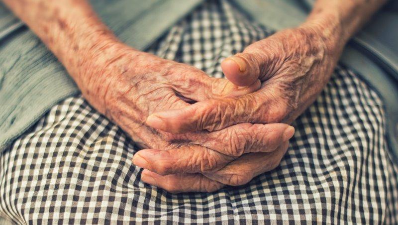 65歲開始獨居...日本百歲奶奶:隨時做好最壞打算、不依賴他人而活,才是正確的人生觀