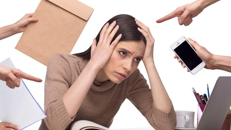 忙了一整天,工作還是做不完?日本職場顧問:想讓效率變好,先把80%的名片丟掉