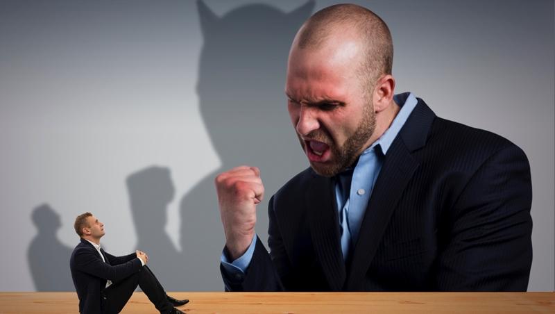 就算再討厭、再無能,主管還是主管!兩個故事告訴你:為什麼下屬永遠鬥不贏