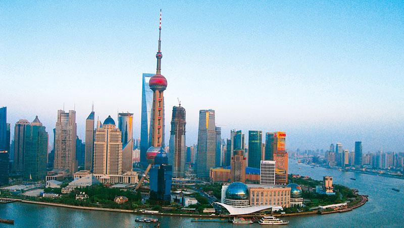 全球化的今天,高度的商業資源集聚,正是上海的核心優勢。