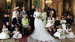 英國世紀婚禮》簡潔、素面、沒馬甲...專家解析梅根白紗背後的「形象智慧」:展現自我,但識大體