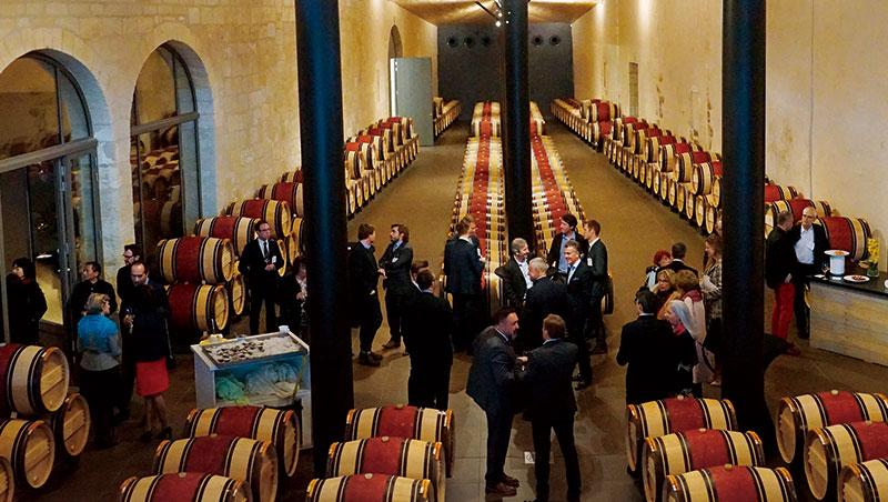 2017年波爾多新酒品嘗週的開幕晚宴在瑪歌村的三級酒莊C h.Kirwan舉行,這是波爾多名莊展示新建酒窖的最佳良機。