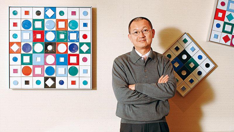 國巨董座陳泰銘2017年開了被動元件這幾波大漲的第一槍,經多年購併布局,他奪回產業話語權,樂觀認為景氣會旺到明年。