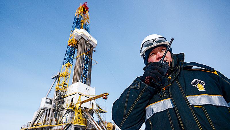 石油輸出國組織加俄羅斯占全球原油產量4成,他們減產是油價上漲主因。