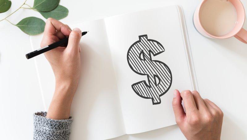 想成為有錢人的第一步:把問別人「你年收入多少?」換成這一句