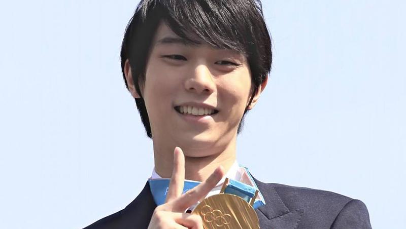 只有後腦和樹...花式溜冰王子羽生結弦奪金遊行,轟動全日本的粉絲「失敗照」大集合