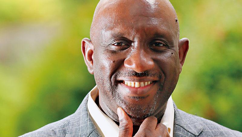 薩科(圖)坐上校長高位,旅日黑人專欄作家麥尼爾(Baye McNeil)肯定:「全體社會對黑人的看法也會有所改變。」