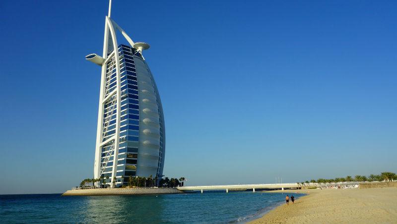 為什麼我們會相信「在杜拜,連乞丐一年都能賺300萬台幣」?關於杜拜成功行銷,必知的3件事
