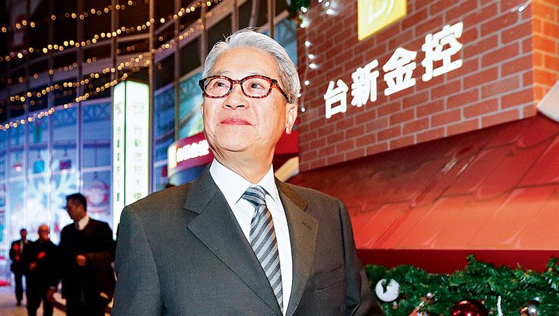 推演多次後,吳東亮在股東會前晚,拍板重壓獨董壓制對手。