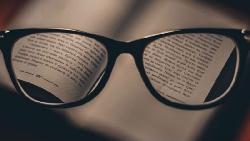 未來免動刀,就能治療近視!加拿大最新研究:不用破壞角膜,就能永久矯正視力