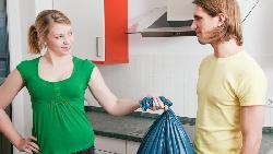 叫家人「去倒垃圾」卻被回「我很累耶!」日本廣告天才:這種時候,請試試這麼說