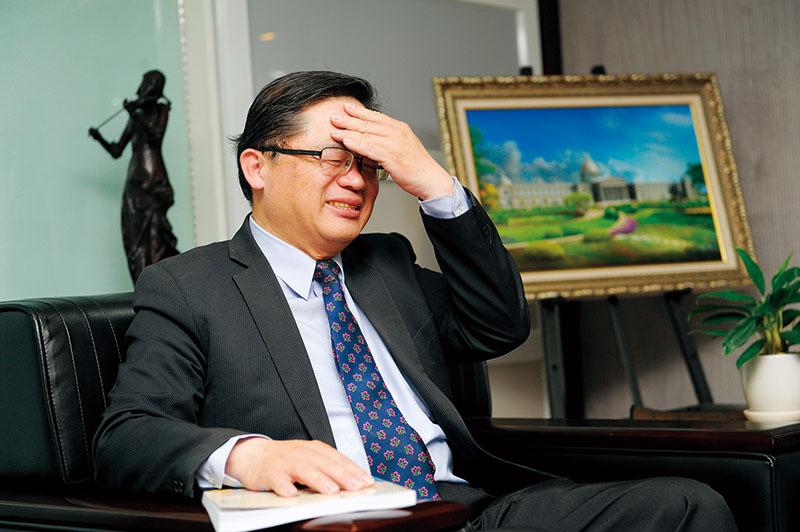回想許多縣市曾卯足力搶魏德聖的案子,台南代理市長李孟諺直說自己嚇出冷汗。