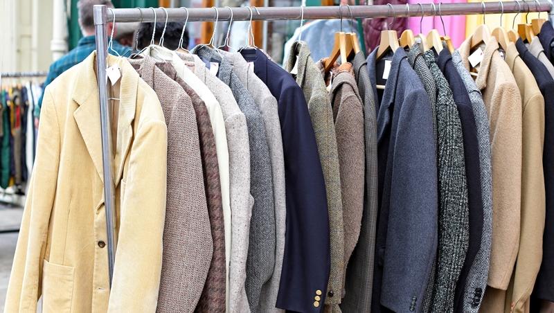 千萬別穿休閒鞋去買「套裝」!專家解答:第一次買套裝,最常遇到的8個問題