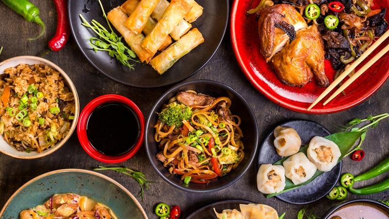 職場隱形加分題》和客戶聚餐吃中菜,該怎麼點餐?3個原則讓主人有面子,客人也滿意