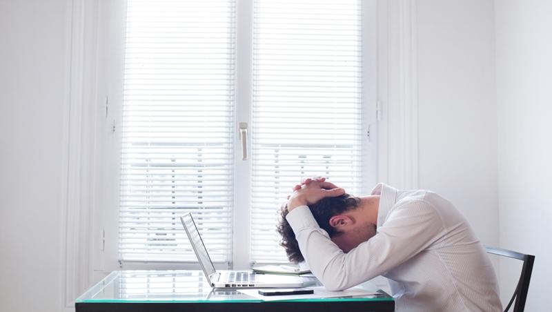 只有一份正職未必有保障!薪資停滯如何不窮忙?MBA創新課建議的選工作原則