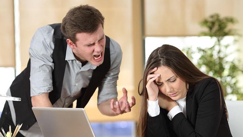 同事出包,總是要你擦屁股...對爛員工的縱容,就是對好員工的懲罰!3招破解老闆話術