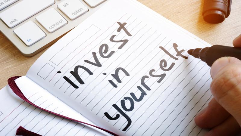 「忙到沒時間可以學習,就是你落後的開始」...投資自己的2個策略,聰明分配金錢與時間!