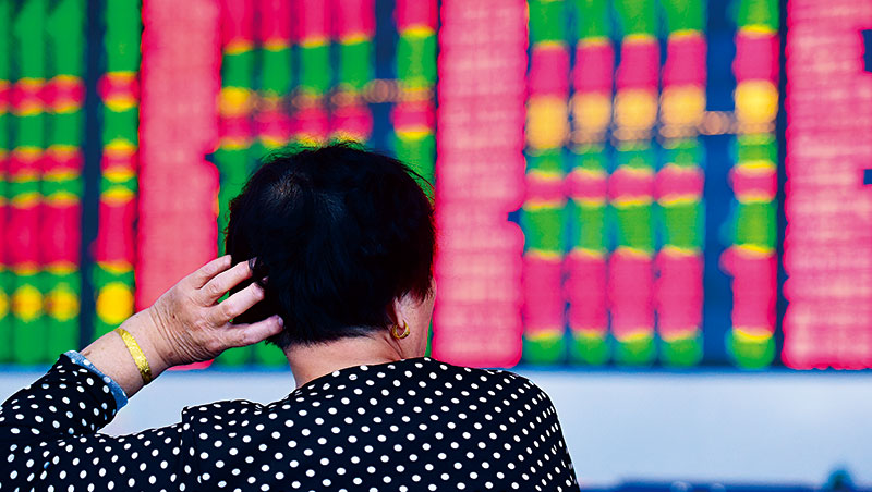 6月初以來,全球最慘的股市是中國股市,創業板和深圳成份股價指數跌幅都在10%左右,跟去年牛市大不相同。