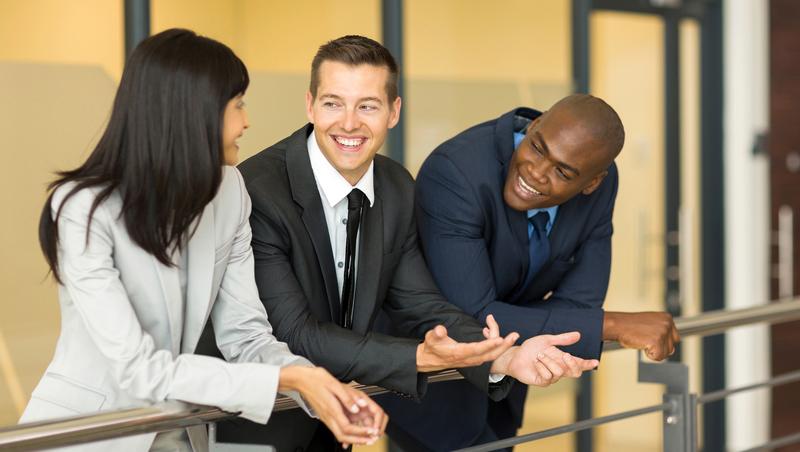 當你對同事說「千萬不要說出去」時,事情就已經傳出去了...職場生存3法則教你明哲保身