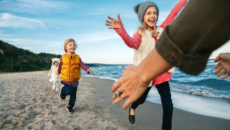 在一堆教養建議中,你最需要的只有這個!專家:孩子最需要的不是你的錢,是你的「時間」