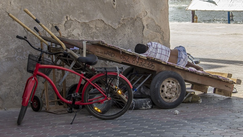 覺得街友都不想工作、都在吸毒酗酒?旅法作家:對街友的印象,決定一個國家的進步程度