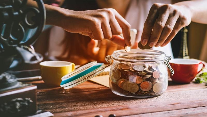 其實不是沒錢存,而是不想存...美國經濟學教授:這樣領薪水,較不容易儲蓄