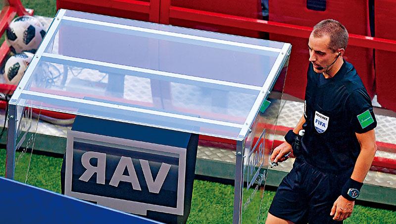 「我們只是要避免醜聞。」國際足總理事會秘書柏拉德說,這是影像助理裁判VAR現身世界盃主因。
