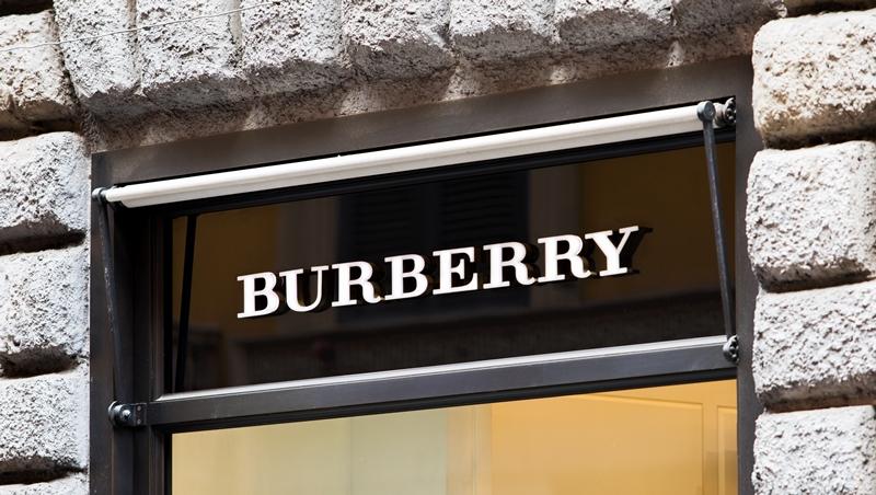 Burberry燒毀逾10億元庫存挨轟...從這個業界慣例,看品牌形象與處理庫存的兩難