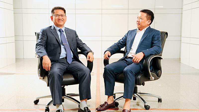 力達主要經營者: 董事長吳建能(左)、總經理陳乙平(右)